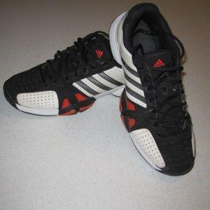 Men's Adidas Barricade tennis shoe